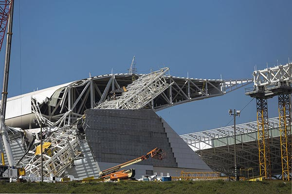 Arena de Sao Paulo roof collapse