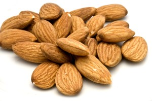 almonds home remedies-1326472_1920