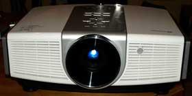 Обзор проектора для домашнего кинотеатра BenQ W5000 DLP 1080p