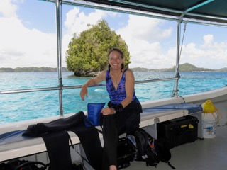 val thal-slocum on diveboat with bentprop in palau