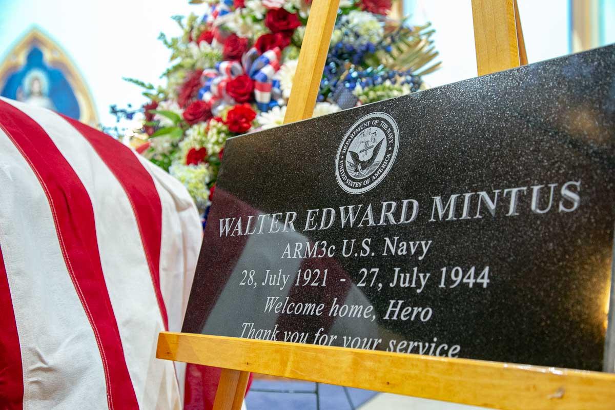 Walter E Mintus Headstone