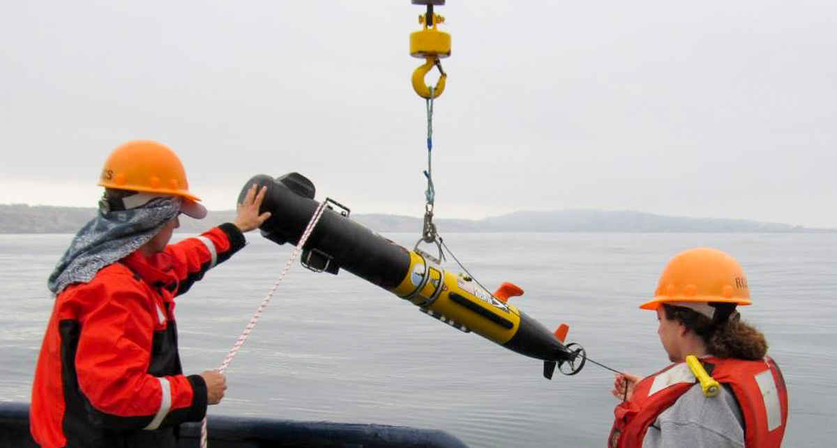 """AUV """"Triple Deuce"""" being launched"""