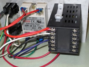 Low cost PID control box for heatingcooling | Projects by Zac