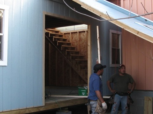 They put up the stairs. - Our Classic Manor New Day Cabin - Project Small House