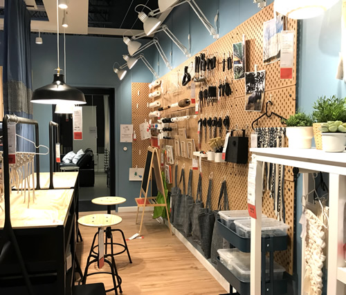 Organize a workshop or craft room with pegboard - Ikea Inspiration : Skadis Pegboard – Project Small House