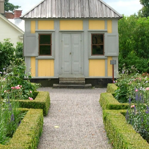 The raked walkway and formal garden to the front door - Inspiration: Swedish Summer House