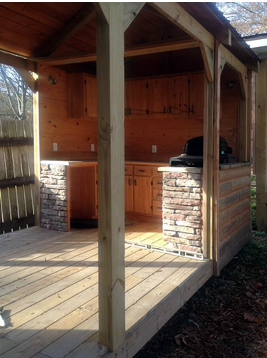 Outdoor Kitchen from Little BEAR Cabins