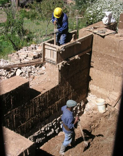 Rammed Earth Construction Photo by JYB Devot