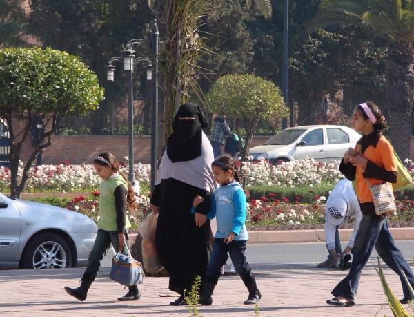Familia marroquina na Avenue Mohammed VI