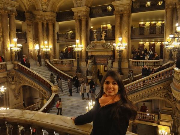 A grande escadaria do Palácio Garnier