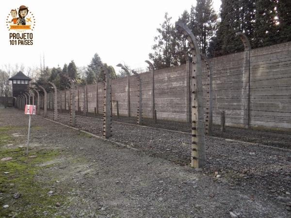 Muros em Auschwitz
