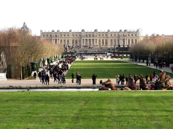 Palacio de Versalhes visto dos jardins