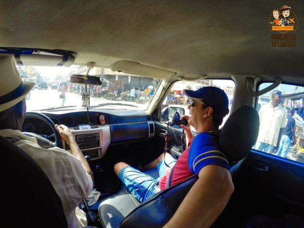 Com o guia em Porto Principe