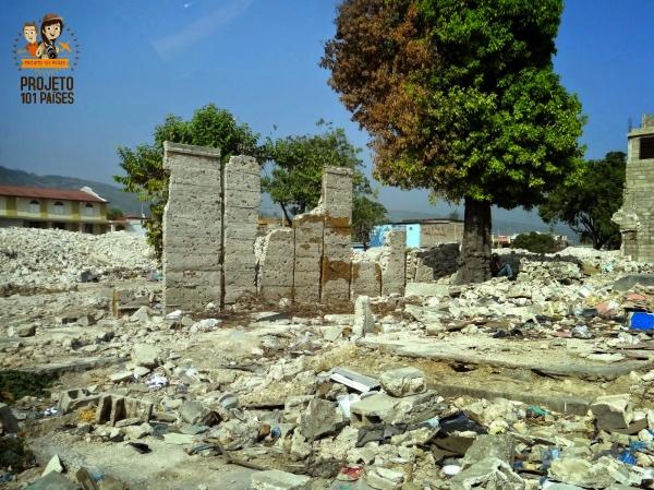 Ruínas decorrentes do terremoto no centro da capital Porto Príncipe