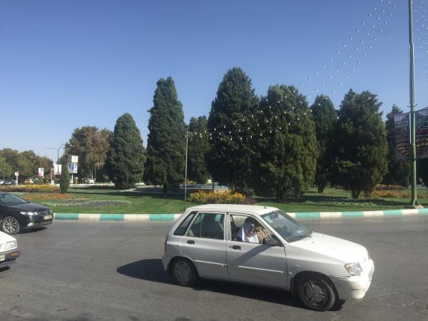 Carros no Irã
