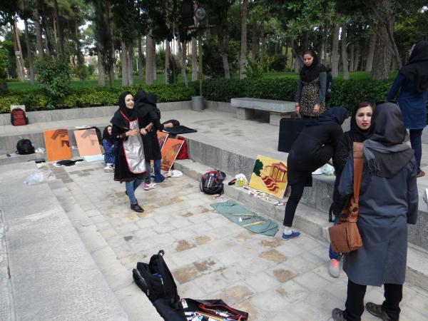 O comportamento dos jovens iranianos é bem parecidos com o dos ocidentais