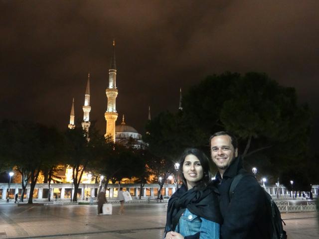 A gente e a Mesquita Azul como pano de fundo!