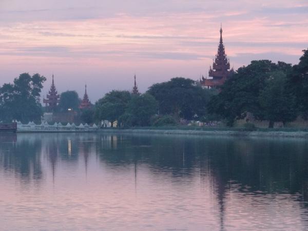 Por do Sol em Mandalay Myanmar