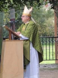 Bp Robert preaching
