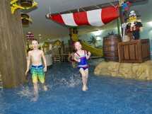 Lego-pirate-themed-splash-pool-legoland-windsor