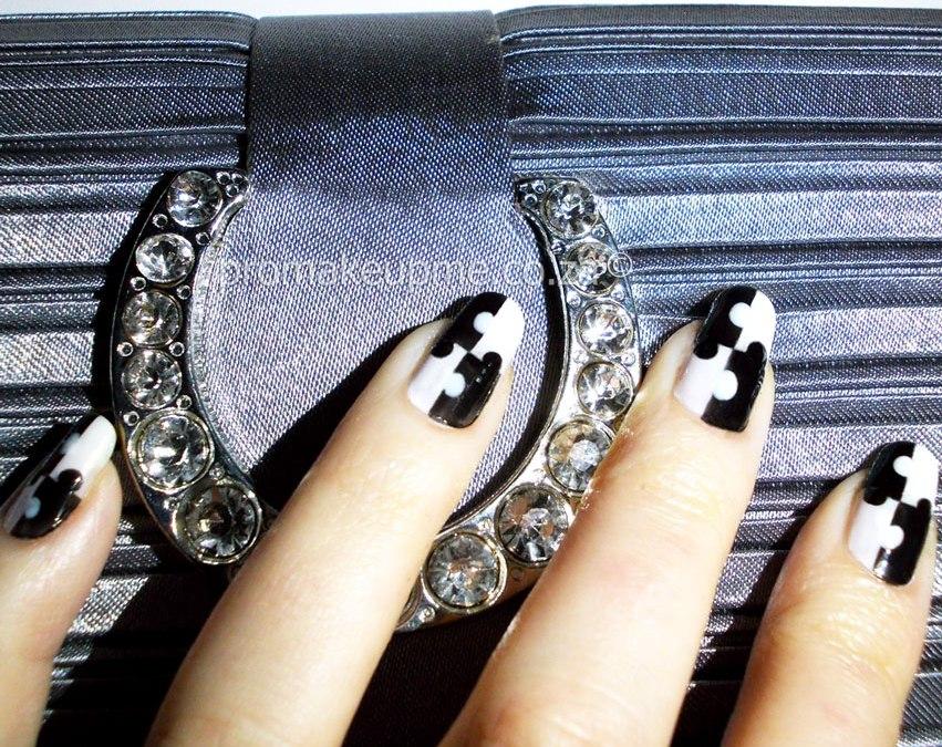Black & White Puzzle Nail Art