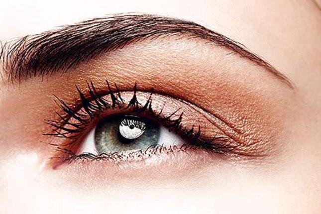 1. Tidy Eyebrows