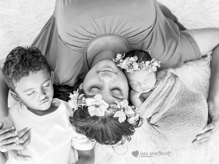 Carlynne Pieters NewBorn Family Shoot Airbrush MakeUp