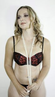 V Boudoir Shoot MakeUp Hair Pearls