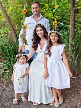 De Vries Family Maternity Shoot MakeUp