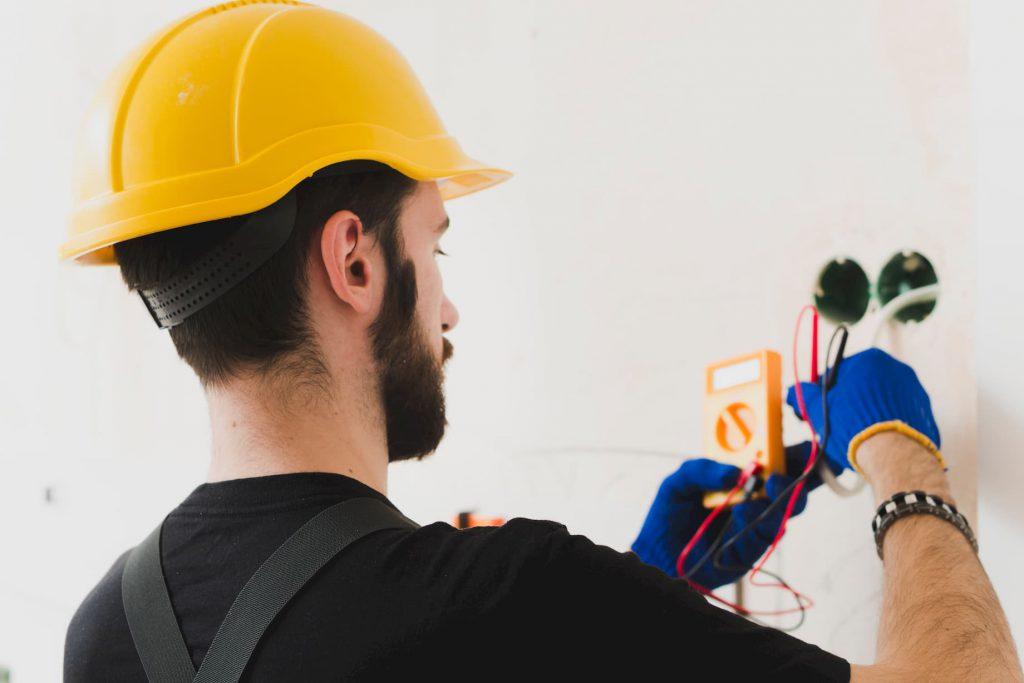 NR 10  Segurança em Eletricidade   Risco Elétrico   Prometal EPIs 875d0a21e1
