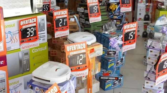 Para os lojistas, as compras no crediário é uma marca registrada do comércio