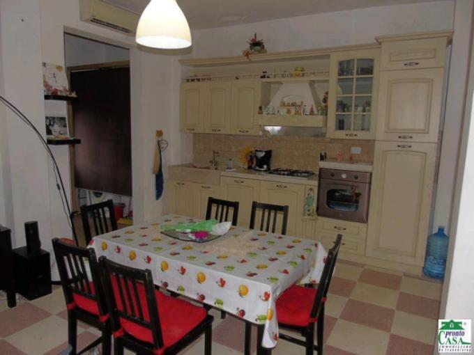 Pronto Casa: Casa singola in zona periferica in Vendita a Modica Foto 1