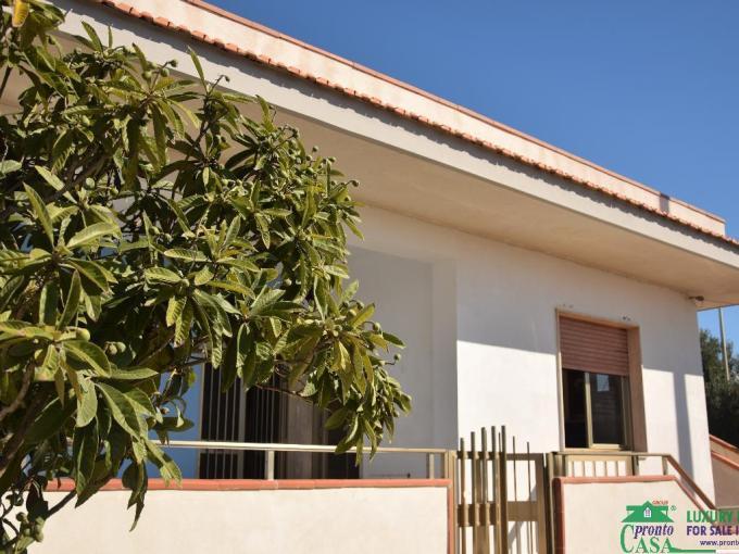 Pronto Casa: Graziosa casa singola a Marina di Modica in Vendita a Modica Foto 1