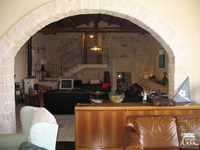 Pronto Casa: Casale vista mare in Vendita a Ragusa Foto 1