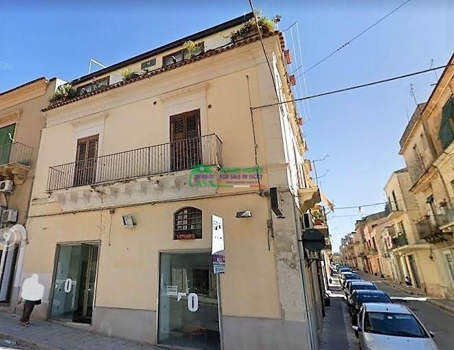 Pronto Casa: Mansarda con esposizione angolare in Vendita a Ragusa Foto 1