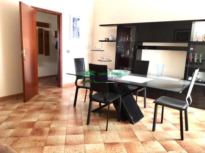 Pronto Casa: APPARTAMENTO ZONA VIA CECHOW in Vendita a Comiso Foto 1