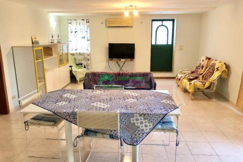 Pronto Casa: 2 Appartamenti in Villa con Piscina in Affitto a Marina di Ragusa Foto 3