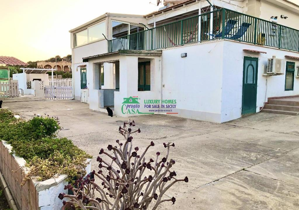 Pronto Casa: 2 Appartamenti in Villa con Piscina in Affitto a Marina di Ragusa Foto 1