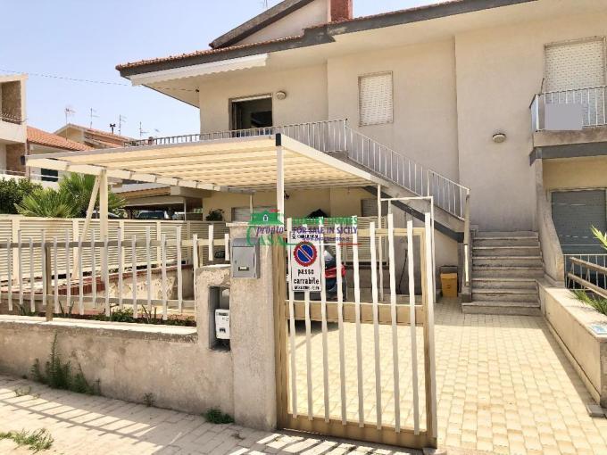 Pronto Casa: Appartamento con veranda posto auto a Santa Barbara in Vendita a Marina di Ragusa Foto 1