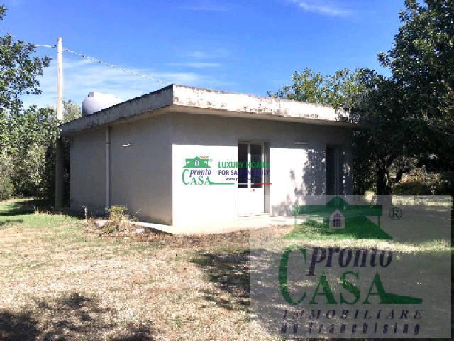 Pronto Casa: Villetta 5 locali a Chiaramonte Gulfi in Vendita a Chiaramonte Gulfi Foto 1