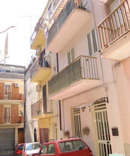 Pronto Casa: CASA SINGOLA RISTRUTTURATA CENTRO STORICO in Vendita a Ragusa Foto 1