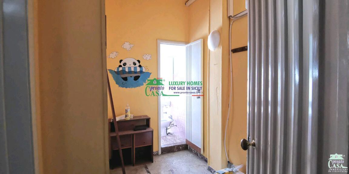 Pronto Casa: APPARTAMENTO IDEALE PER INVESTIMENTO ZONA VIA ARCHIMEDE in Vendita a Ragusa Foto 3
