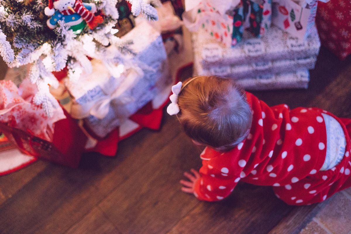 Cerca tra milioni di immagini, fotografie e vettoriali a prezzi convenienti. Regali Di Natale Per Bambini Da 0 3 Anni Idee E Consigli Per Doni Belli Sicuri E Azzeccati Prontopannolino