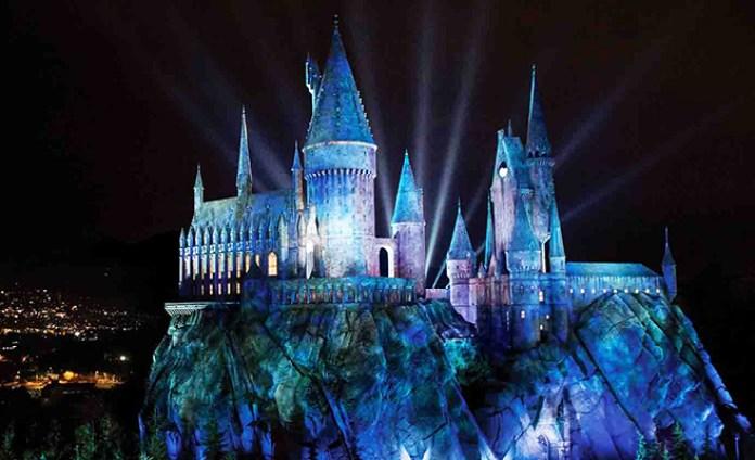 Um dos castelos do complexo The Wizarding World of Harry Potter (foto: divulgação)