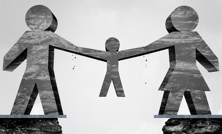 """Συνεπιμέλεια: Νέα διάταξη """"φυτίλι"""" συγκρούσεων θα """"τινάζει στον αέρα"""" ισχύουσες δικαστικές αποφάσεις για Επιμέλεια και Επικοινωνία"""