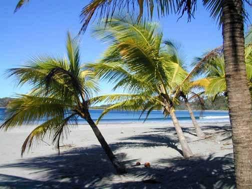 Hotel a la venta cerca del mar en Playa Carrillo