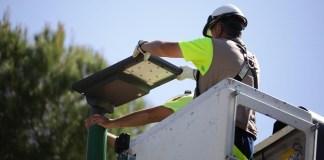 Lampu jalan tenaga surya Philips SunStay