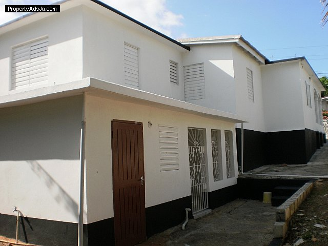 House For Sale in Charlemont Housing Scheme St Catherine