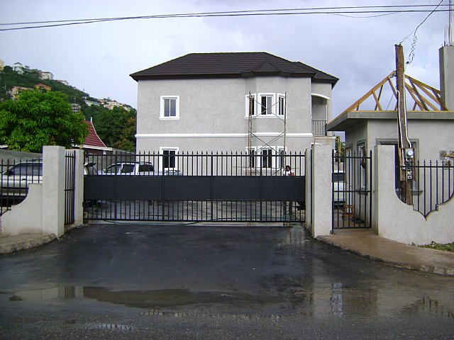 Apartment For Sale in Meadowbrook Estate Kingston  St