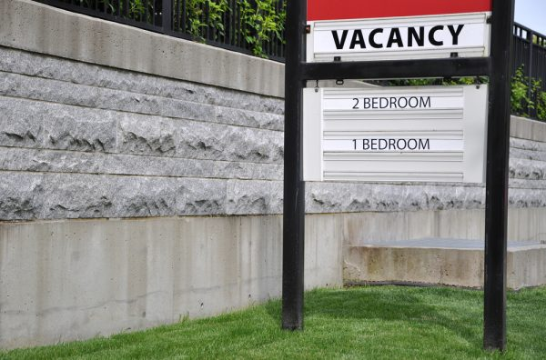 Vacancy Sign For 2019 First Quarter Multifamily Rent Report Blog